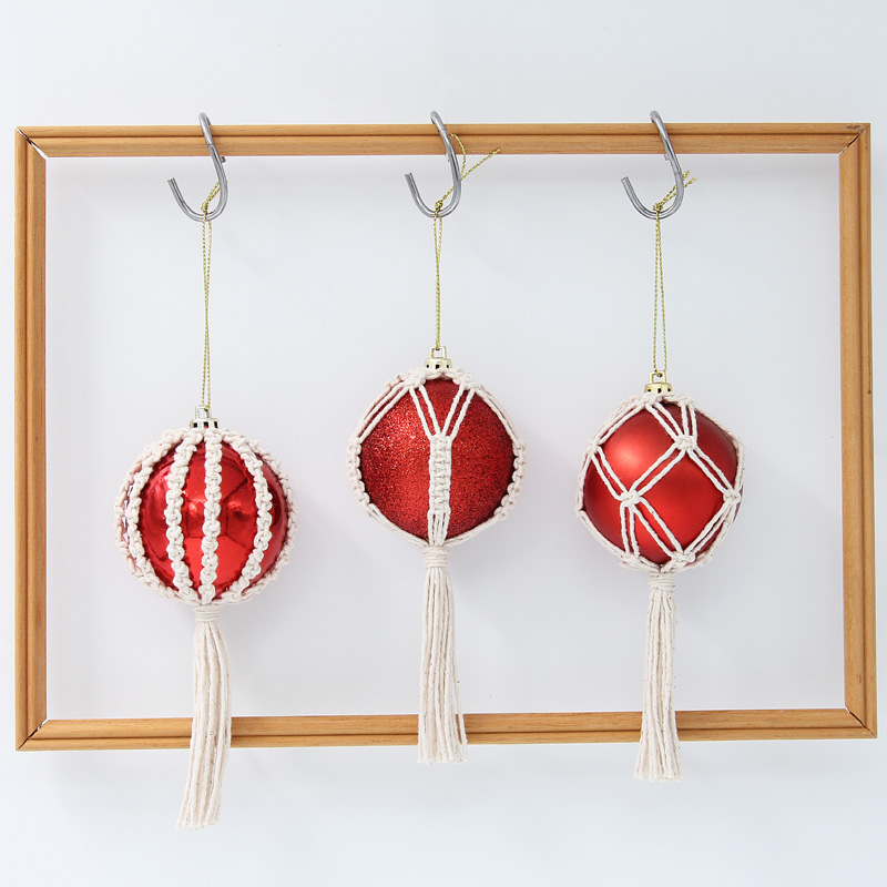 Red Macrame Christmas Baubles